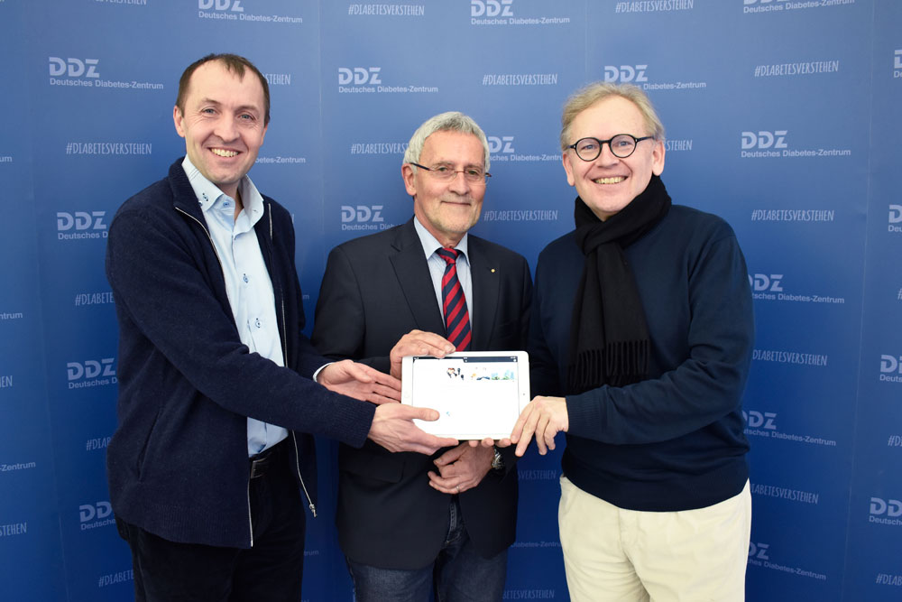 (from right to left): Prof. Michael Roden, Coordinator of the Center of Competence for Innovative Diabetes Therapy (KomIT), Prof. Juergen Eckel, Managing Director of KomIT, and Prof. Eckhard Lammert, Director of the Institute for Vascular and Islet Cell Biology.